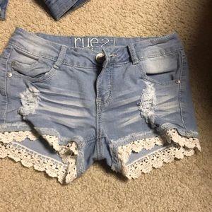 RUE 21 light wash denim jean shorts
